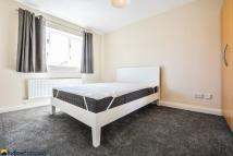1 bedroom Flat to rent in Myddleton Avenue...