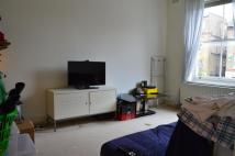 Flat to rent in Alexandra Grove...