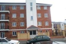 2 bedroom Flat in Felixstowe Road...