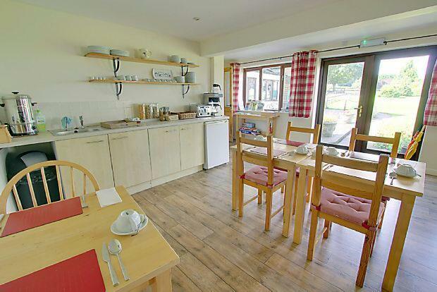 Breakfast Kitchen an