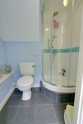 Groundfloor Shower R
