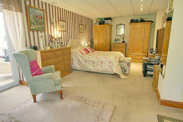 Bedroom 1/Second Sit
