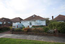 3 bedroom Detached Bungalow in Green Ridge, Withdean...