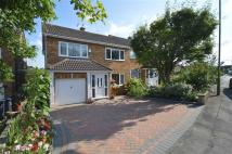 4 bed semi detached property for sale in Kingsway, Ware...