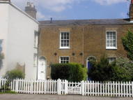 2 bedroom Cottage to rent in WINDSOR