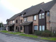 1 bed Ground Flat in FARNHAM COMMON