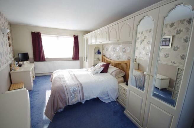 Bedroom 1(2nd ...