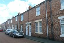 2 bedroom Terraced house to rent in Queen Street, Birtley