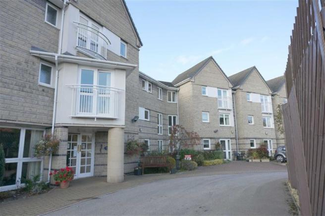 1 Bedroom Apartment For Sale In Stephenson Court Brampton Chesterfield Derbyshire S40 S40