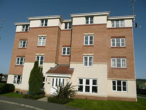2 Bedroom Apartment For Sale In Hatfield House Forge Drive Chesterfield Derbyshire S40 S40