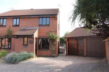 2 bedroom semi detached house in Hounsfield Close, Newark