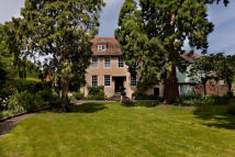 8 bedroom Detached home for sale in Roebuck House, Cambridge