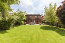 4 bed Detached property in Cavendish Avenue...