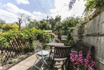 2 bedroom Apartment in Carlyle Road, Ealing...