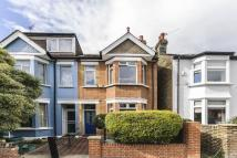 3 bed house in Devonshire Road, Ealing...