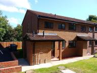 Ground Maisonette to rent in Curling Vale, Guildford