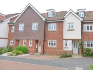 4 bedroom semi detached house to rent in Sime Close, Guildford