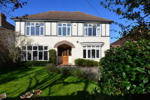 4 bed Detached home in Beach Avenue...