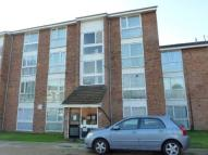 Flat to rent in Dellow Close...