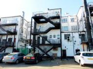 2 bed Flat to rent in Gale Street