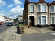 Flat to rent in Clandon Road...