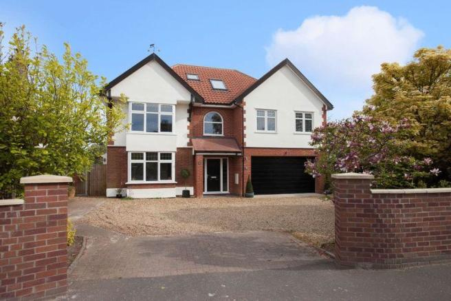 6 Bedroom Detached House For Sale In Wroxham Road