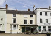Town House for sale in Faringdon