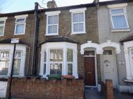 3 bedroom Terraced house to rent in Harcourt Road, Stratford