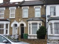 Kingsland Road property to rent