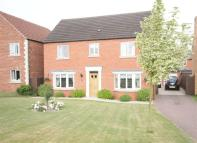 4 bedroom Detached property in Hackthorn Road, Welton...
