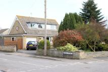 4 bed Bungalow in High Street...