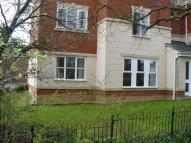Flat in Station Walk, HIGHBRIDGE...