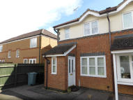 2 bedroom semi detached property to rent in Wakes Close, Bourne...