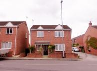 Detached property in Sherwood Mews...