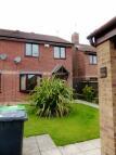 3 bedroom semi detached house in Sandwich Close...