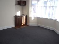 Studio flat to rent in Hermitage Road, WhitwicK
