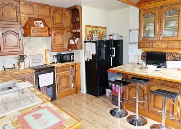 Detached bungalow kitchen breakfast room