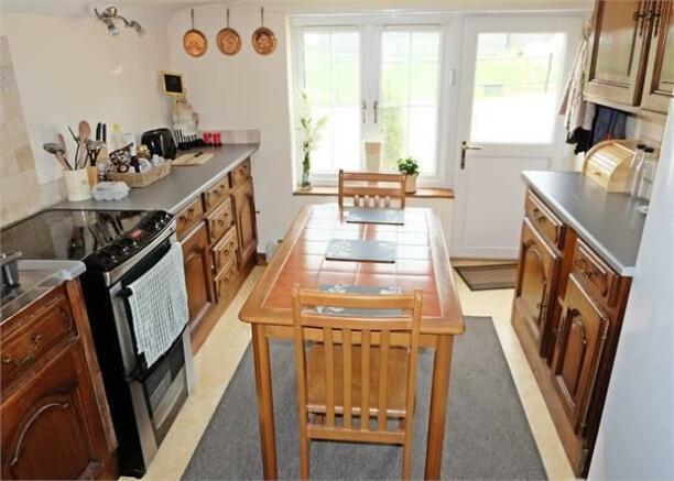 Cottage kitchen breakfast room