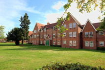 2 bedroom Flat in New Horton Manor