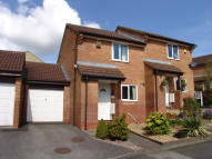 2 bed End of Terrace house in Pippin Close...