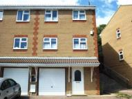 3 bed semi detached home in Badgers Close, Newhaven...
