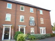 4 bed Town House to rent in Walnut Gardens...