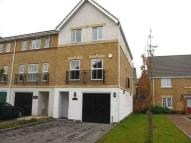 4 bed Town House in Pinewood Place...