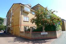 Flat in Manor Road, Sidcup...
