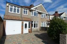 4 bedroom semi detached home to rent in Chaucer Road, Sidcup...