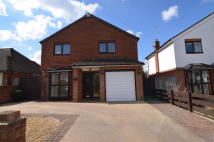 4 bedroom Detached home for sale in Farwell Road, Sidcup...