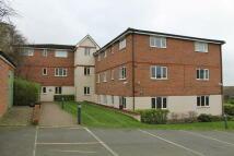 4 bedroom Apartment in Treetop Close, Luton, LU2