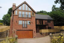 4 bed Detached house to rent in Buntingsdale Road...