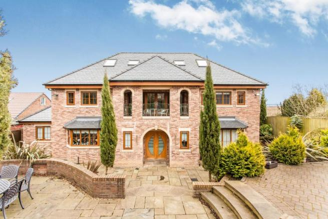 5 bedroom detached house for sale in firs road