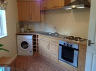 Flat to rent in Warmington Avenue...
